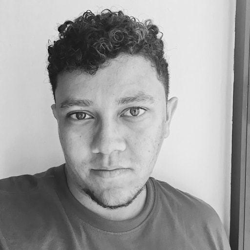Foto de rosto do Tiago Gonçalves.
