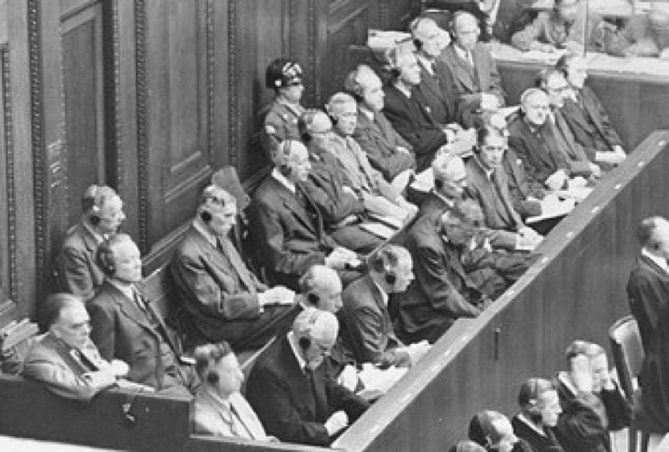 Executivos da Farben durante julgamento em Nuremberg.