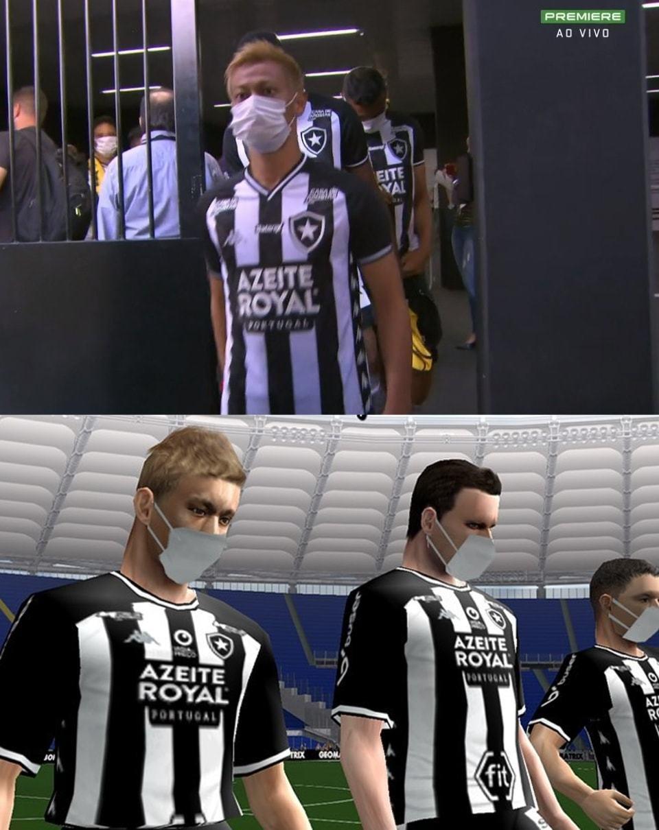 Comparativo de cena do jogador Honda, do Botafogo, entrando em campo de máscara. Em cima, quadro da transmissão do jogo real; embaixo, cena do Bomba Patch atualizado.