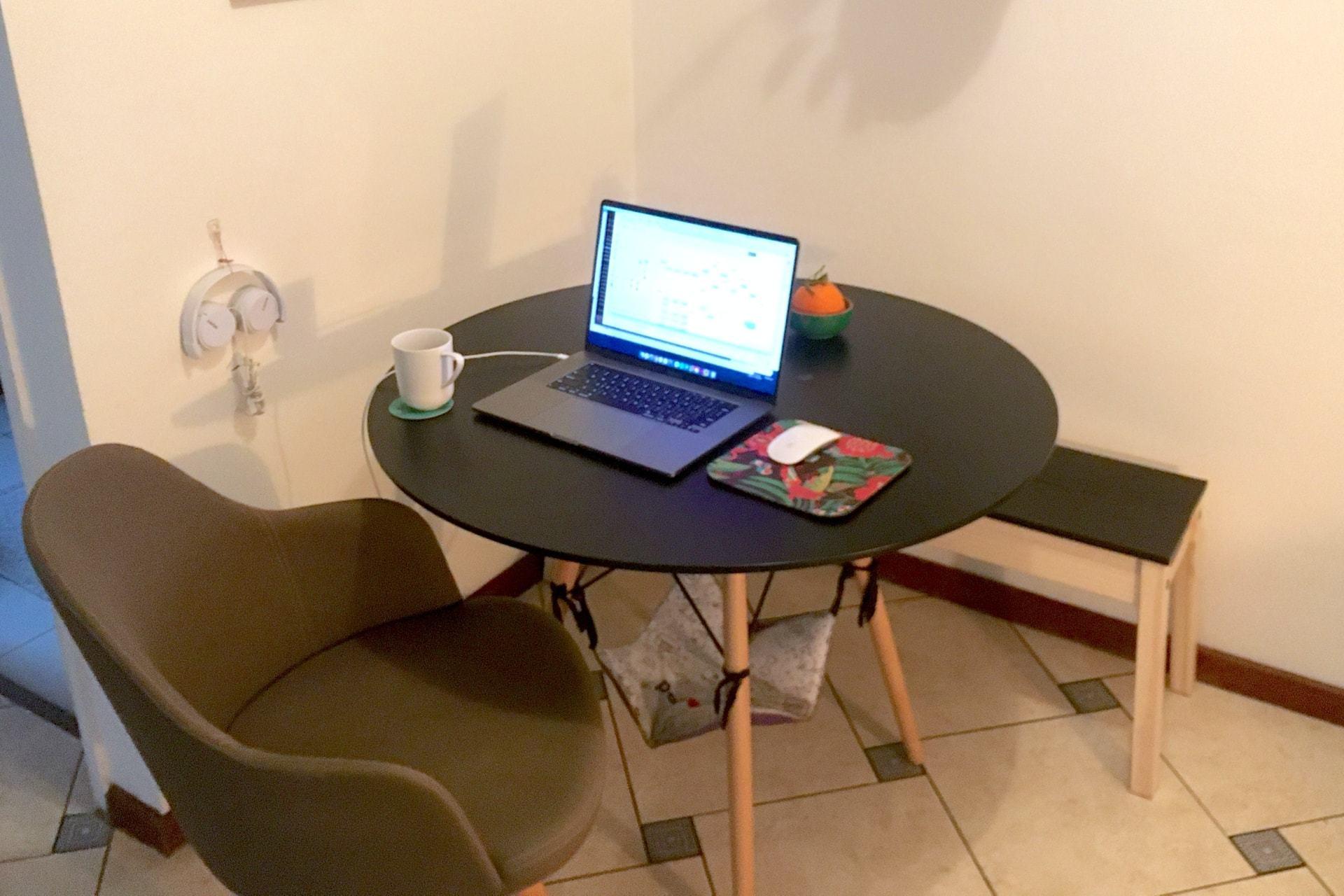 O escritório em casa da designer de produto Ana Vidal