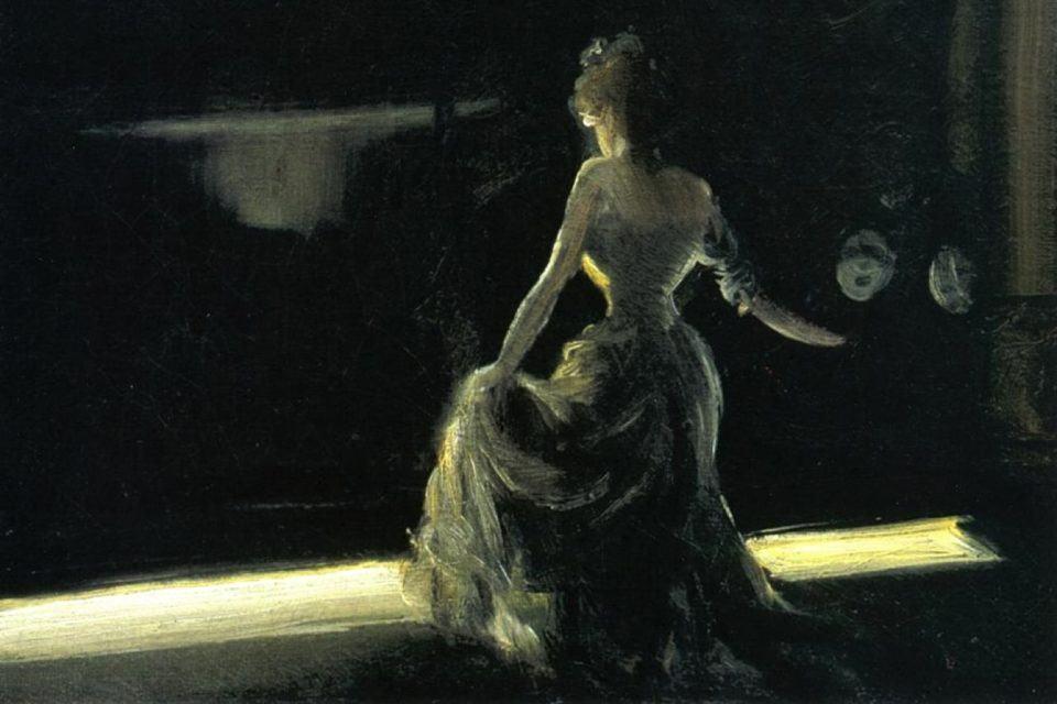 Pintura de uma mulher, com vestido de época e de costas, em um palco de teatro.