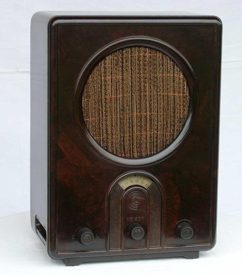 Rádio Volksempfänger.